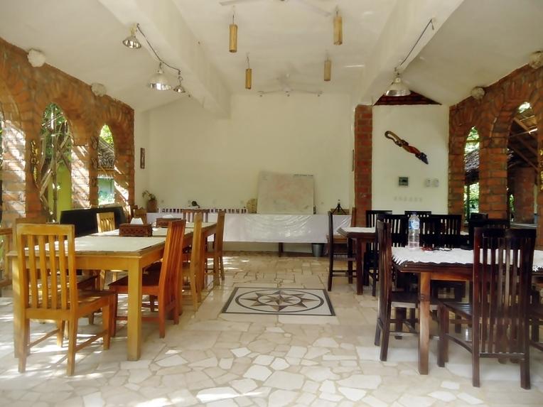 Restoran di Mangga Lodge